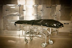 Người phụ nữ bị gã chồng vũ phu nhét trong túi đựng thi thể suốt 3 ngày