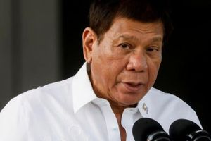 Tổng thống Philippines cấm nội các thảo luận công khai về Biển Đông