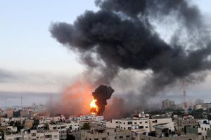 Israel không kích phá hủy phòng xét nghiệm COVID-19 ở Gaza