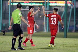 Công Phượng sút phạt thành bàn, tuyển Việt Nam đánh bại U22 Việt Nam