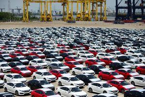 Thủ tục tạm nhập khẩu xe ô tô, xe gắn máy