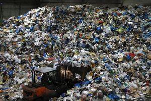 'Điểm mặt' 20 công ty đứng sau hơn 55% chất thải nhựa của thế giới