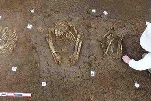 Xây nhà, phát hiện... 113 ngôi mộ cổ ngàn năm của tộc người bí ẩn