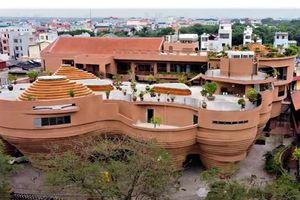 Cận cảnh tòa nhà 150 tỷ đồng, hình thù kỳ dị chưa từng có ở thủ phủ gốm Bát Tràng