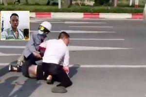 Người hỗ trợ tài xế taxi bắt cướp giữa đường: 'Đây là việc rất bình thường, gặp tai nạn tôi đều giúp'