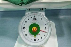 Một sản phụ ở Quảng Nam sinh bé gái nặng 5,9kg