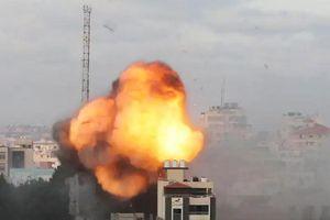 Israel tiếp tục tấn công vào 'xương sống' của Hamas, chảo lửa Gaza chực chờ bùng cháy