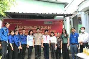 TP. Cần Thơ: Quận Đoàn Bình Thủy trao nhà Khăn quàng đỏ cho học sinh khiếm thính