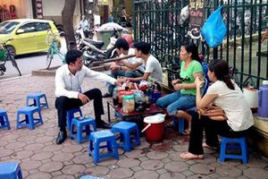 Cần giải tỏa những quán nước vỉa hè ở đường Đặng Phúc Thông