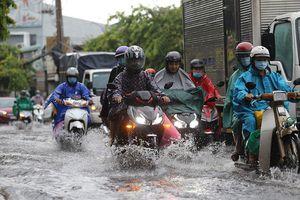 Mưa lớn, nhiều tuyến đường ở TP Thủ Đức lại ngập
