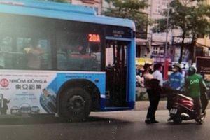 Xác minh thông tin phụ xe buýt hành hung người tham gia giao thông