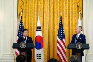 Mỹ dỡ bỏ hạn chế về tầm bắn tên lửa với Hàn Quốc