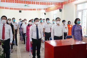 Cử tri quận Nam Từ Liêm nô nức tham gia 'Ngày hội non sông'