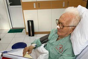 Những hòm phiếu lưu động phục vụ bệnh nhân ở Ba Đình
