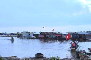 Bầu cử trên làng bè sông Đồng Nai