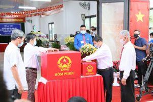 Thủ tướng Chính phủ Phạm Minh Chính tham gia bầu cử tại Cần Thơ