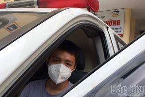 Chàng trai từ Quảng Bình lái xe cứu thương xuyên đêm về Bắc Giang tình nguyện chống dịch