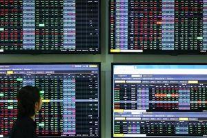 Bất chấp khối ngoại xả hàng, VN-Index vẫn tiến sát mốc gần 1.300 điểm