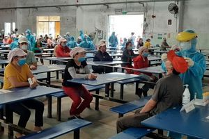 Lấy mẫu xét nghiệm toàn bộ người làm việc tại các khu công nghiệp ở Đà Nẵng
