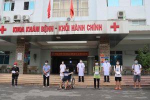 Tin vui: 12 bệnh nhân mắc COVID-19 đầu tiên ở Bắc Ninh được ra viện