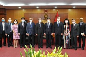 Tạo thuận lợi cho hoạt động xuất nhập khẩu hàng hóa Việt Nam - Trung Quốc