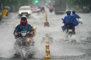 TP.HCM mưa cả ngày vào tháng 5 - hiện tượng bất thường