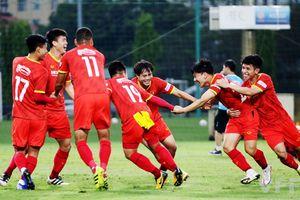 Chốt danh sách đội tuyển Việt Nam đi UAE