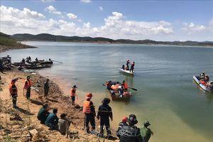 Tìm thấy thi thể nạn nhân trong vụ chìm tàu hút cát trên hồ thủy điện Đại Ninh