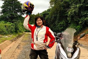Mẹ rủ con trai đi phượt xuyên Việt để giảm áp lực học hành