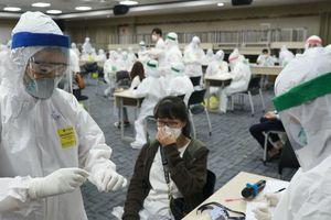 Xét nghiệm rà soát định kỳ 40.000 người tâm dịch Quang Châu