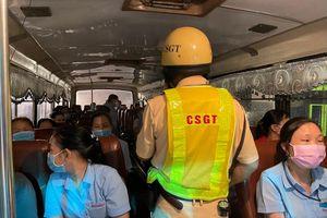 Nhiều xe khách bị phạt vì vi phạm trong công tác phòng, chống dịch COVID-19