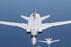Sự thật phía sau quyết định gây sốc của Nga khi đưa siêu máy bay đến Syria