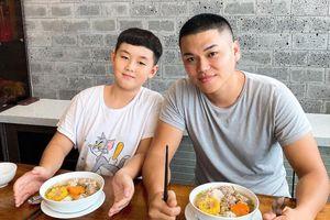 Con trai Lê Phương được khen càng ngày càng giống bố dượng Trung Kiên