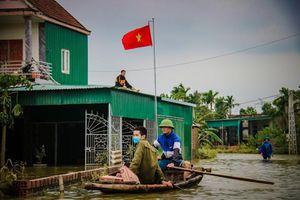 Vì sao 1.500 suất quà danh hài Hoài Linh trao cho dân vùng lũ Hà Tĩnh bị hoãn?
