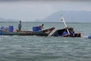 Sà lan tông chìm tàu lai dắt, 3 người trôi trên biển Cần Giờ
