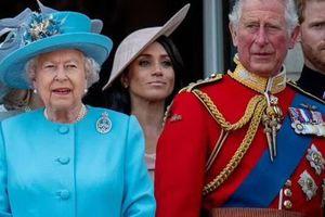 Nữ hoàng cho phép Harry làm phim vì không nghĩ anh sẽ công kích gia đình