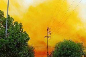 Đề xuất kiểm tra công ty để khói vàng bao phủ một phần khu công nghiệp ở Hải Dương
