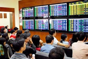 Dòng tiền đổ mạnh vào thị trường, VN-Index tăng gần 17 điểm