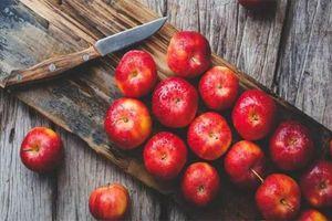 Sự thật đằng sau giả thuyết ăn 1 quả táo mỗi ngày bạn sẽ không bao giờ phải đi gặp bác sĩ