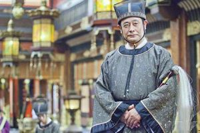 Giải mã nguyên nhân khiến thái giám trong thời phong kiến Trung Quốc lúc nào cũng mang kèm cây phất trần bên người