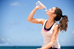 Không uống đủ nước sau khi thể dục điều gì sẽ xảy ra?