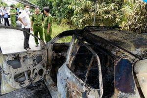 Xe taxi cháy trơ khung ven đường ở An Giang: Lộ nghi vấn tài xế tự sát