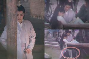 Lộ ảnh hậu trường Tiêu Chiến bế Nhậm Mẫn, netizen 'khóc đứng khóc ngồi' vì gato với nữ chính