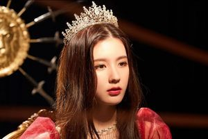 'Thành viên hụt Blackpink' Miyeon ((G)I-DLE) sẽ là cô nàng tiếp theo được debut solo