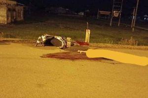 Tài xế xe tải tông chết người đi xe máy ngược chiều rồi bỏ trốn