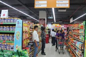 Giãn cách xã hội, siêu thị TP.HCM tiếp đầy hàng hóa xuyên đêm