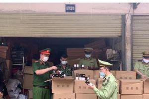 Lạng Sơn: Tạm giữ hàng nghìn mỹ phẩm nhập lậu