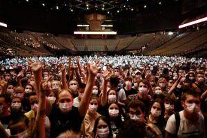 Pháp thử nghiệm tổ chức hòa nhạc trong nhà với biện pháp đeo khẩu trang, xét nghiệm