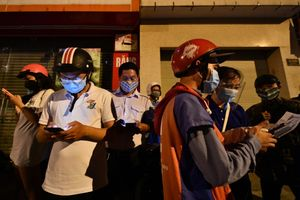 Nhiều người bị chặn lại khi không kịp ra khỏi quận Gò Vấp trước 0h