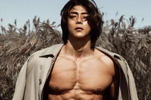 Người mẫu Hàn Quốc có cơ bụng 6 múi sau khi tăng 10 kg